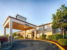 Red Lion Inn & Suites at Olympic National Park, готель у місті Сквім