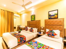 Hotel Lotus Grand Andheri, hotel near Chhatrapati Shivaji International Airport Mumbai - BOM, Mumbai
