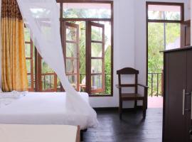 wood palace mirissa, Hotel in Mirissa
