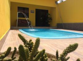 Casa com piscina no centro de Maragogi à 250 mar!, holiday home in Maragogi