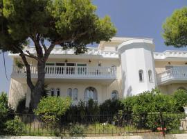 Priamos Kalitehnoupoli, pet-friendly hotel in Rafina
