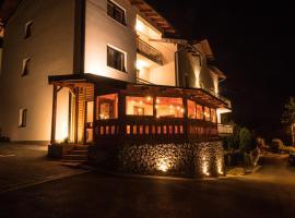Bergkranc Hotel & Resort, hotel na Palama