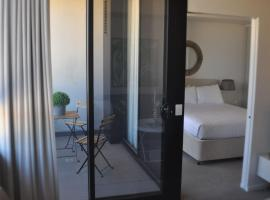 Accommodate Canberra - Azure, apartment in Kingston