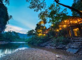 Art's Riverview Lodge, resort in Khao Sok