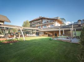 Hotel Famelí, hotel a Lago di Braies tó környékén Valdaorában