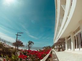 Hotel Marambaia Cabeçudas - frente mar, hotel near Hercílio Luz Stadium, Itajaí