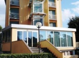 Hotel Florida Tirrenia, hotell i Tirrenia