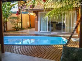 Casa de beira mar com piscina, hotel with pools in Coruripe