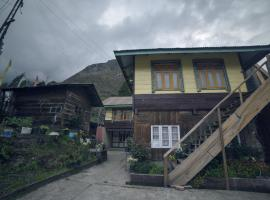 OurGuest Bichu Homestay, homestay in Lachung