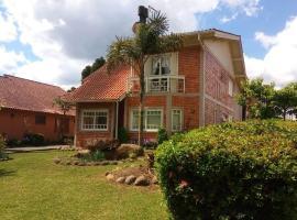 Lar das caturritas, holiday home in Gramado