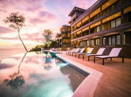 360 Splendor Del Pacifico Residences, hotel in Playa Flamingo