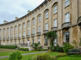 Royal Crescent Apartments, apartment in Weston-super-Mare