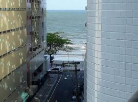 LINDO APARTAMENTO 4 DORM. QD MAR BALNEÁRIO CAMBORIÚ- PROX. PRAIA, accessible hotel in Balneário Camboriú