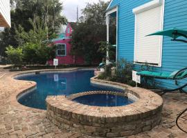 5 BR - Sleeps 10! Best Location next to French Quarter!, villa in New Orleans