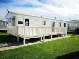 Caravan Retreats, hotel near Knightly's Fun Park, Conwy