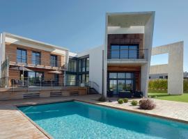 Villa Enea by FeelFree Rentals, hotel con piscina en San Sebastián