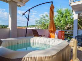 Terrasol Apartments, hotel with jacuzzis in Trogir