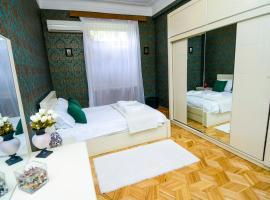 Check Inn Tbilisi, hotel near Queen Tamar Bridge, Tbilisi City