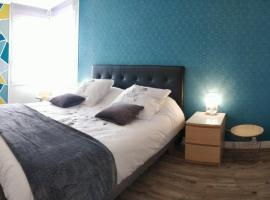 Confortable T2 Massy TGV by Beds4Wanderlust, self catering accommodation in Massy