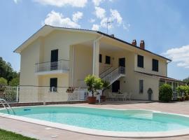 Casa Vacanze La Mattonara, hotel in Viterbo