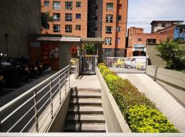 Apartamento Urbanización Capri, cerca a Universidad de Antioquia, hotel cerca de Parque Explora, Medellín