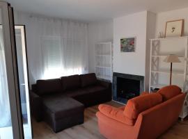 Duplex LA ISLA, hotel cerca de Nuevo Estadio de Los Cármenes, Granada