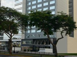 Dazzler by Wyndham Lima Miraflores, hotel in Lima