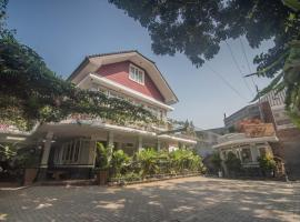 Front One Boutique Baluran Malang, hotel in Malang