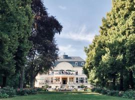 Hotel Schloss Teutschenthal, hotel near Steintor-Varieté, Teutschenthal