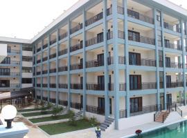 The Grand Riverside Hotel 2 Vangvieng, hotel in Vang Vieng