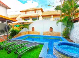 Grande Adam Private Pool Villa, hotel in Pattaya
