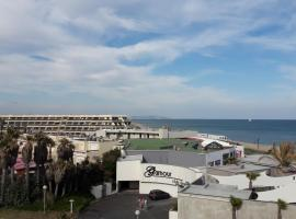 Studio Naturiste Design, beach hotel in Cap d'Agde