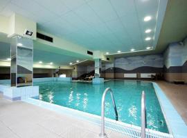 hotell i warszawa med pool