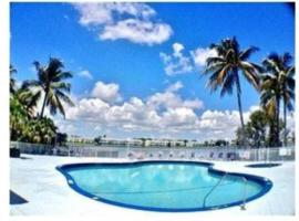 Lake Apartment 5 miles from For Lauderdale Beach, apartment in Fort Lauderdale