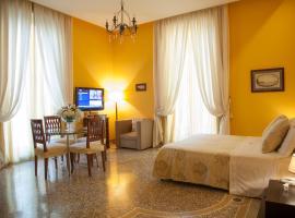 B&B Orsini 46, hotel near Castel dell'Ovo, Naples