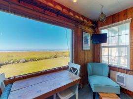 Beachfront Cabin, apartment in Moclips