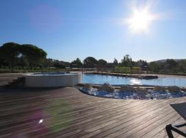 Le jas du Pebrier, hotel near Roquebrune Golf Course, Roquebrune-sur-Argens