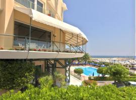 Hotel Scogliera, hotel a Numana