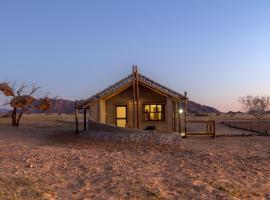 Desert Camp, luxury tent in Sesriem