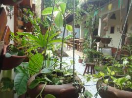 Pousada e Pizzaria Sol e Alegria, guest house in Fortaleza