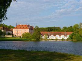 Golfhotel Schloss Reichmannsdorf, hotel near Concert & Congress Hall Bamberg, Schlüsselfeld