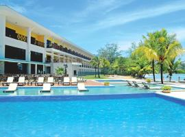 Playa Tortuga Hotel and Beach Resort, hotel in Bocas Town