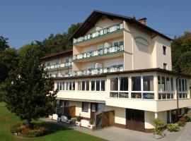 Appartementhotel Karawankenblick, Hotel in Pörtschach am Wörthersee