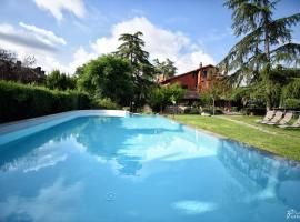 Villa Roma '900 Affitta Camere, hotel with pools in Rome
