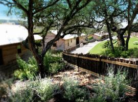 Hideout on the Horseshoe, hotel near Comal River Tubing, Canyon Lake