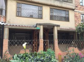 Casa Familiar, habitación en casa particular en Bogotá