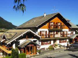 Hôtel Plein Soleil, hotel in Vacheresse