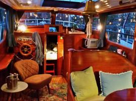Motorjacht Flint, boat in Amsterdam