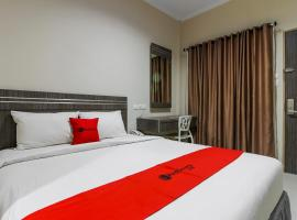 RedDoorz Plus Syariah @ Jalan Sriwijaya Medan, отель в Медане