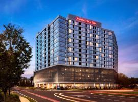 Hampton Inn & Suites Teaneck/Glenpointe, hotel in Teaneck